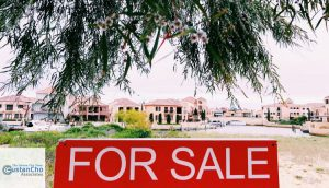 What it looks like to buy a house in an attractive neighborhood