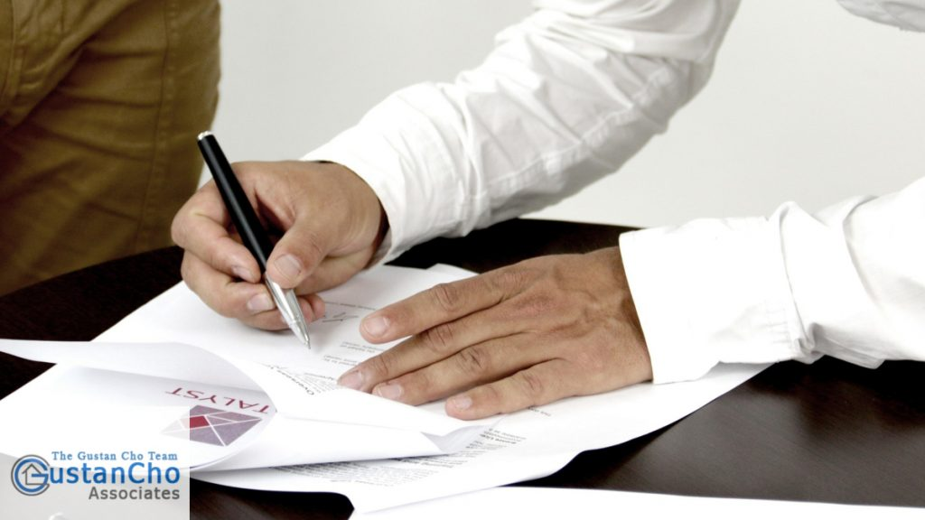Who Reviews Mortgage Documents During Mortgage Process