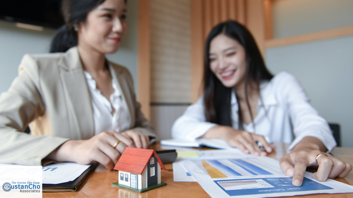 How do you hire realtors when buying and listing transactions in Illinois?
