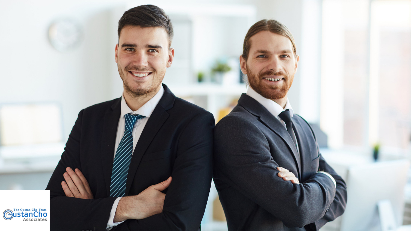 what is the main difference between mortgage bankers and mortgage brokers